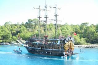 Boat Tour along the breathtaking bays of Kemer