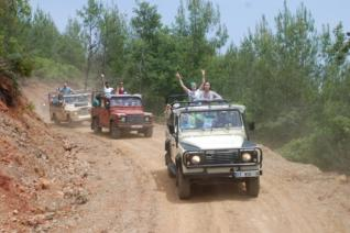 Excursion from Kemer: Jeep Safari Tour at the Taurus Mountains