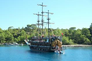 Kemer Boat trip along the beautiful bays with lunch