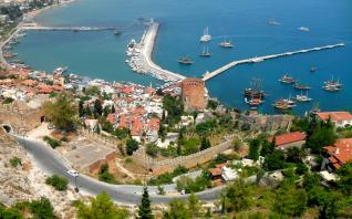 Sightseeing city tour of Alanya from Side
